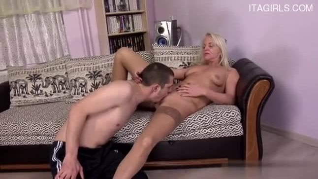 Sexy pussy blowjob cum swallow